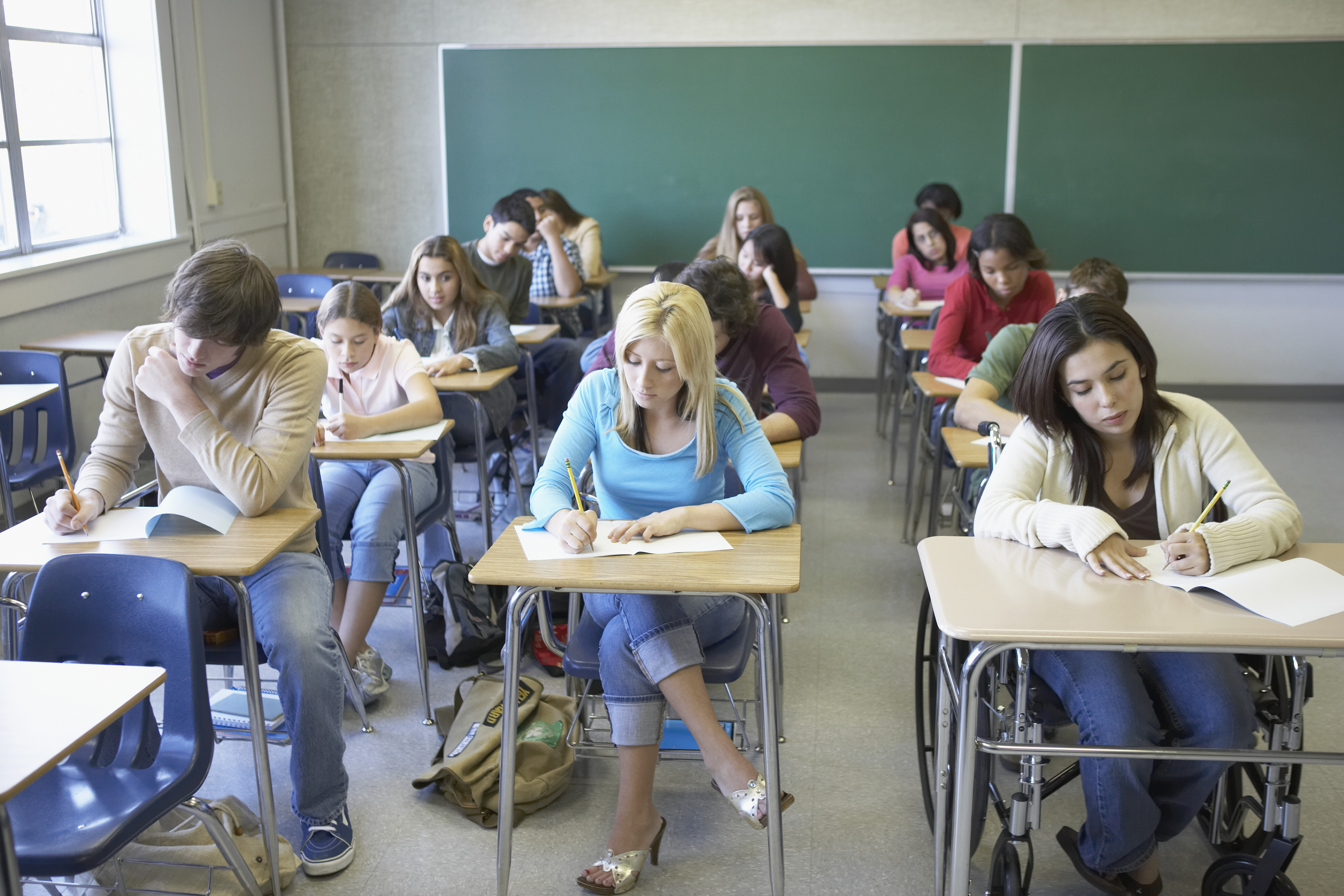 Teen squirt in class site