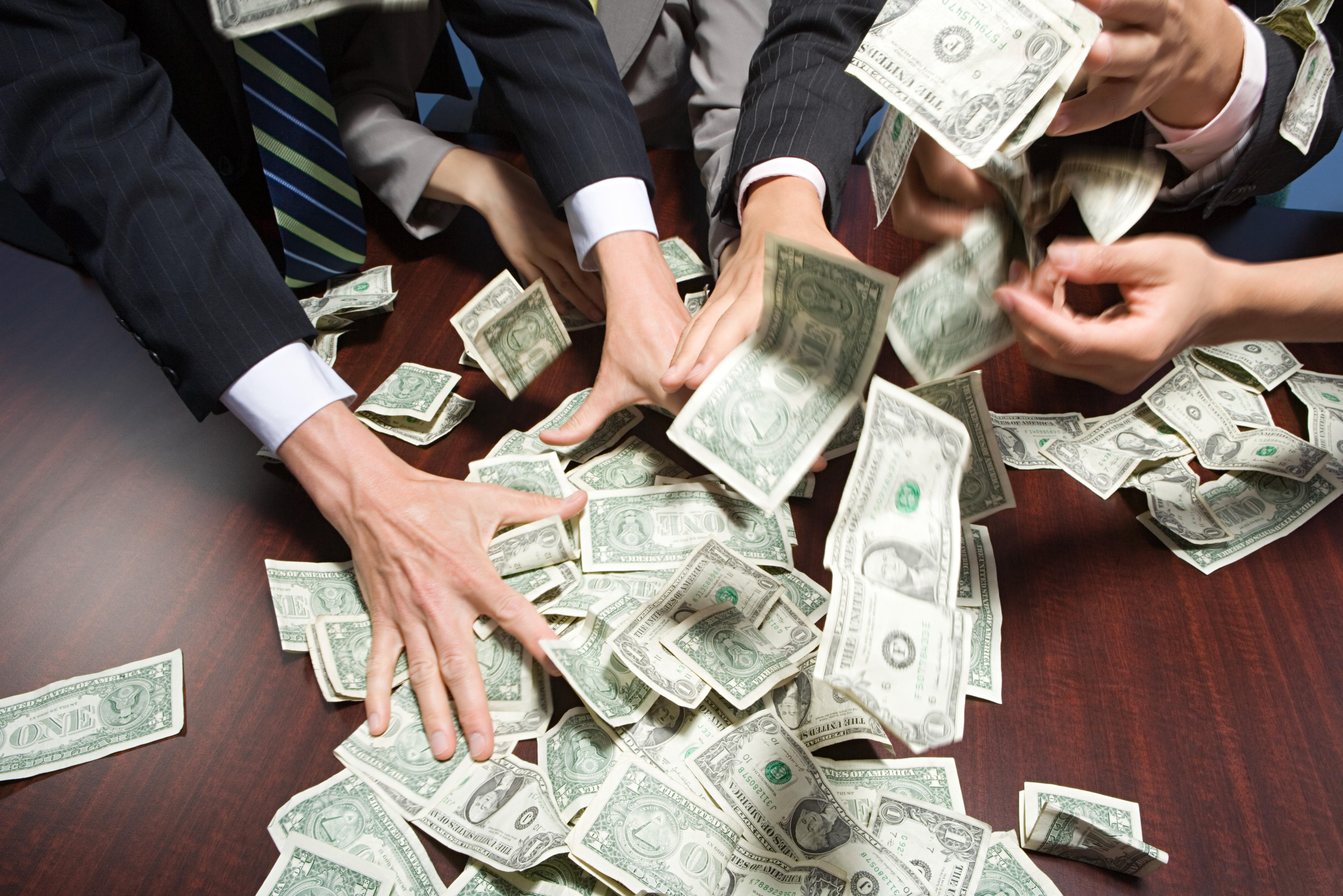 Biglaw's Billion-Dollar Club Keeps Growing