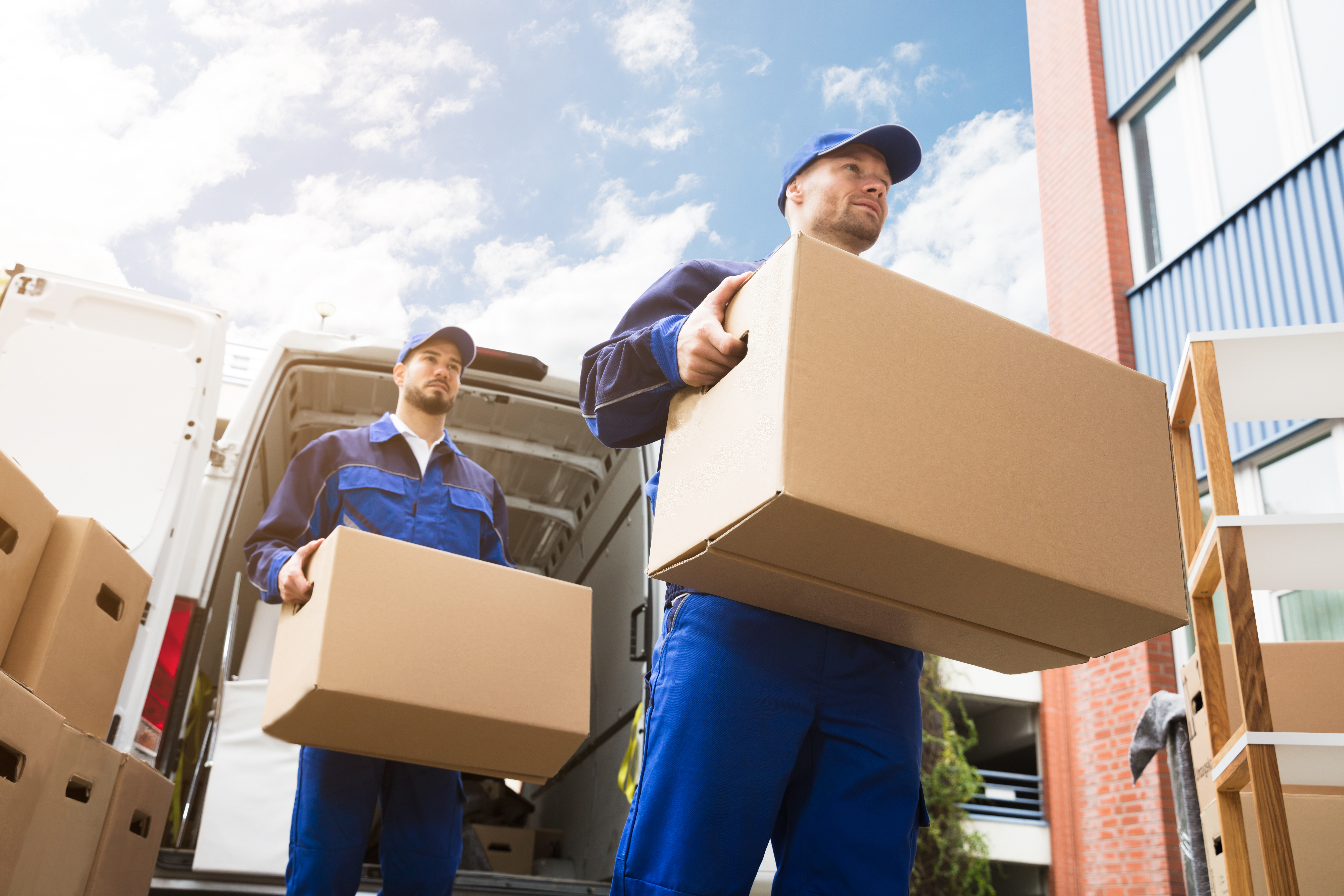 Federal Agent: Using A Taped Box To Send Stuff Overnight Via